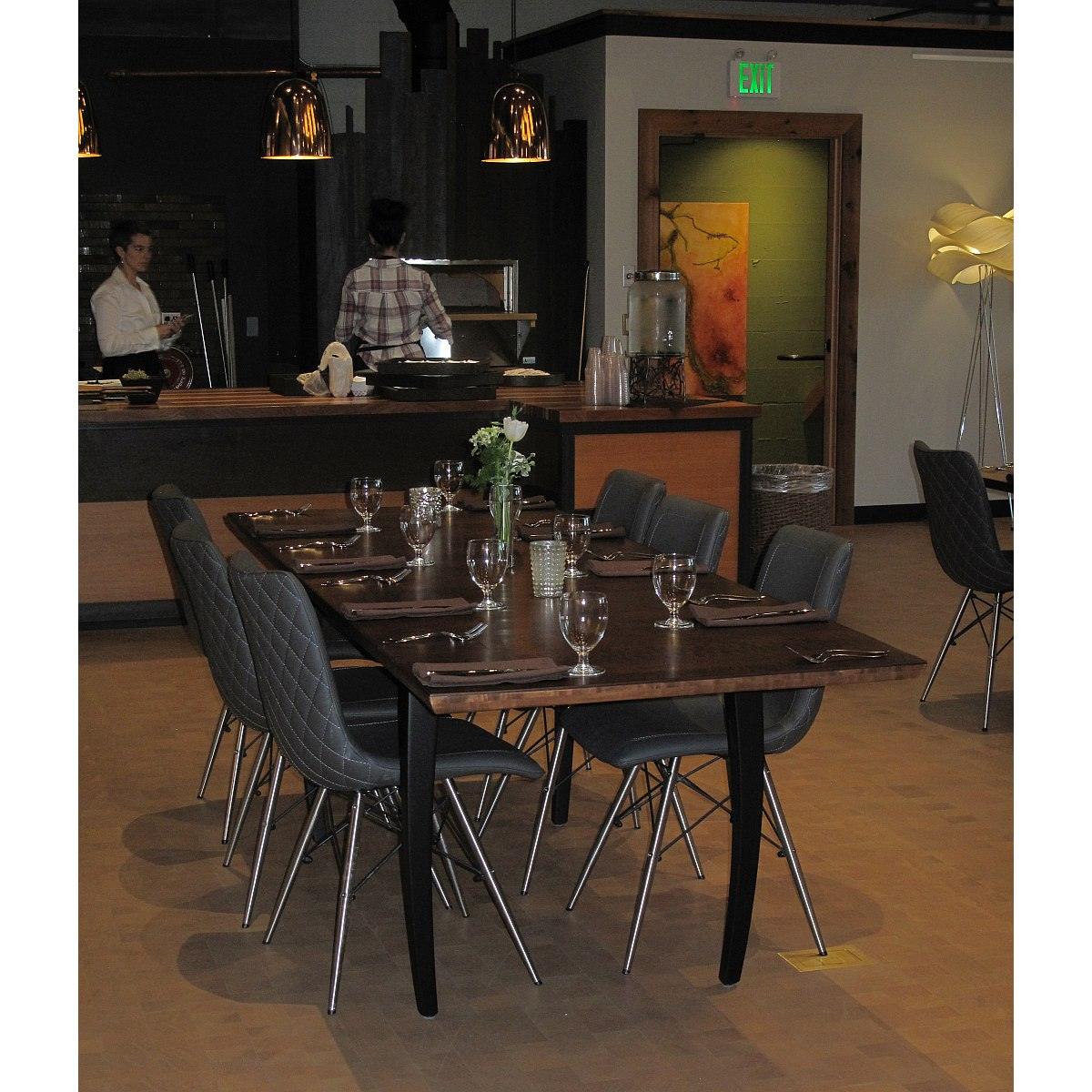 Banquet Dining Table: Banquet Dining Table